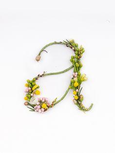 Abecedario con flores frescas - HavingFun