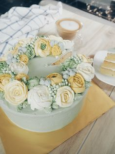 Winter Soiree, shades of yellow, green and a hint of grey. http://thesweetspot.com.my