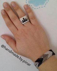 @handmade.by.pinar  ❤ ... ... #miyuki #miyukiring #miyukibracelet #ringandbracelet #yüzük #bileklik #beadwork #beadweaving #peyote #peyotestitch #handmadeaccessories #handmadejewellery #jewelrybox #jewelry #taki #takı #takitasarim #tasarım #moda #fashion #hediye #gift #girls #girlfashion #elemegi