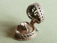 Vintage 3D Sterling silver Charm heart shaped box with engagement ring opens