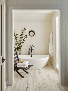 a simple organic modern bath design | traditional pacific northwest house tour on coco kelley #ModernHomeDecorBathroom