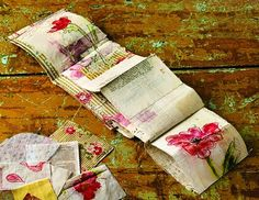 Vintage materials made into an accordion book, featured in Cloth Paper Scissors magazine Fabric Painting, Fabric Art, Fabric Books, Cas Holmes, Fabric Journals, Art Journals, Cloth Paper Scissors, Creative Textiles, Stitch Book