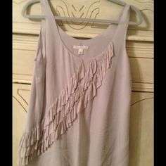 Banana Republic top Beautiful lightly worn top with ruffles Banana Republic Tops Blouses