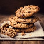 Looking for some tasty Paleo cookies? Look no further than our coconut flour chocolate chip cookies - made completely grain free and gluten free. Protein Cookies, Gluten Free Chocolate Chip Cookies, Paleo Cookies, Oat Cookies, Cookies Et Biscuits, Riesen Cookies, Making Cookies, Homemade Cookies, Health Desserts
