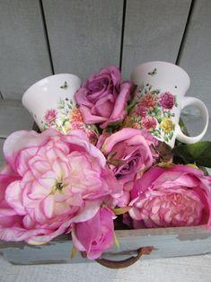Lovely in Pink! Rosegarden collection by Janneke Brinkman, licensed by Orange Licensing.