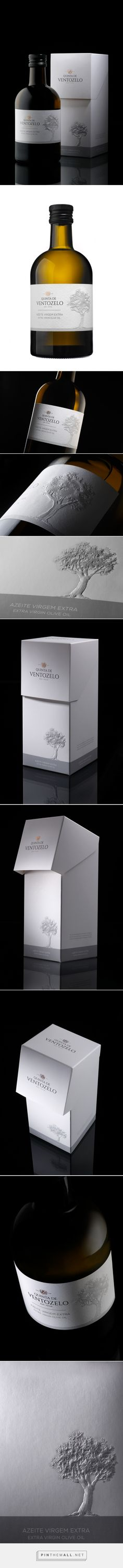 Quinta de Ventozelo Olive Oil - Packaging of the World - Creative Package Design Gallery - http://www.packagingoftheworld.com/2016/10/quinta-de-ventozelo-olive-oil.html