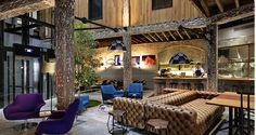 Modern Classic Hotels Designing House Interior Maximally: Surprising 1888 Hotel Lobby With Smart Blend Of Rustic Architecture And Modern Fur. Lobby Do Hotel, Hotel Mallorca, Estilo Hipster, Interior And Exterior, Interior Design, Arch Interior, Wallpaper Magazine, Destination Voyage, Piece A Vivre