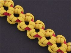 Have you seen a paracord bracelet with this weave? Making the Aztec Sun Bar, by FusionKnots. #ParacordBraceletHQ