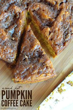 Do you love all things pumpkin, coffee cake and crock pot? Then you'll just LOVE this easy Crock Pot Pumpkin Coffee Cake recipe! Crock Pot Desserts, Slow Cooker Desserts, Delicious Desserts, Yummy Food, Tasty, Fall Desserts, Pumpkin Coffee Cakes, Pumpkin Dessert, Pumpkin Cheesecake