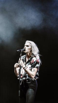 Lynn Gunn Photo by @miaconte on Twitter