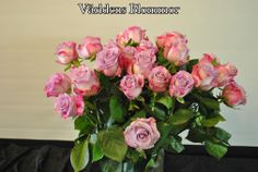 Rosor från Världens Blommor i Landskrona www.varldensblommor.se 0418651159 Vi finns på GOOGLE