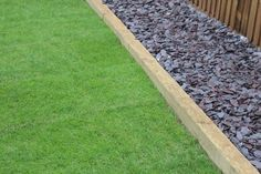 Landscape Timber Edging, Landscape Timbers, Back Garden Design, Backyard Garden Design, No Grass Backyard, Backyard Landscaping, Wooden Garden Edging, Lawn Edging, Garden Borders