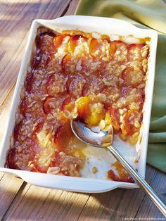 Tian d'abricots aux amandes et pignons