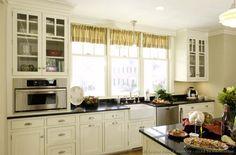 Cottage Kitchen Design #15 (Crown-Point.com, Kitchen-Design-Ideas.org)
