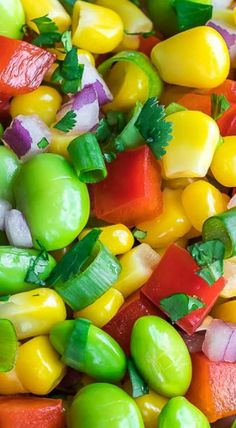 Edamame Salad with Cilantro Lime Dressing - Peas And Crayons Salad Bar, Soup And Salad, Healthy Salad Recipes, Vegan Recipes, Edamame Salad, Salad Dressing Recipes, Salad Dressings, Lime Dressing, Vegetable Salad