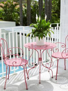 pink patio chairs ♡ teaspoonheaven.com