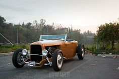 LOWTECH   traditional hot rods and custom cars