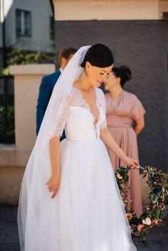 Bröllopsklänning i siden och spets / Bridal gown in silk and lace
