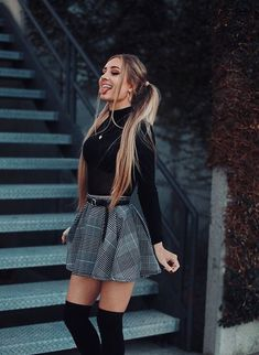 Outfit Trends - Plaid skirt outfits ideas what to wear plaid skirts Winter Date Night Outfits, Casual Fall Outfits, Winter Fashion Outfits, Look Fashion, Womens Fashion, Casual Dress For Fall, Skirt Outfits For Winter, Cute Outfits With Skirts, Tumblr Fall Outfits