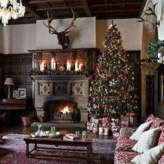 Old World Christmas Easy Christmas Dinner, Country Christmas, Simple Christmas, Beautiful Christmas, Christmas Mantels, Christmas Decorations, Holiday Decor, Christmas Trees, Christmas Pictures