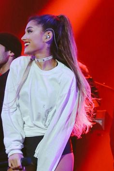 Ariana Grande. What a sweetheart! Follow rickysturn/amazing-women