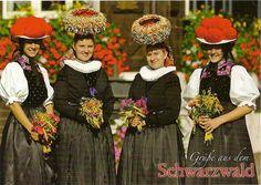 Germany-Traditional Costumes - Schwarzwalder Trachten | Flickr - Photo Sharing! #Gutachtal