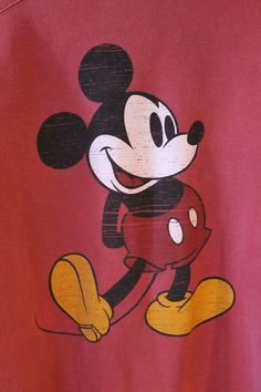 Walt Disney World Mickey Mouse Red Sweatshirt Medium Classic Drawing Disneyanna