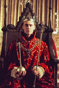 Henry IV-Tom Hiddleston Dear BBC, if you would release the eps on iTunes as they play, I'd love you for it.