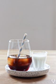 We just can't live without our daily dose of coffee but at the same time we can't stand hot coffee when it's hot outside. Iced coffee recipes is the answer. Hot Coffee, Iced Coffee, Cold Brew, Coffee Recipes, Brewing, Panna Cotta, Canning, Ethnic Recipes, Food