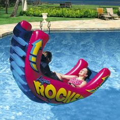 Fun pool inflatables - huge selection of giant pool floats, pizza floats and animal floats. Funny pool floats for kids and large, comfortable pool inflatables for adults. Cute Pool Floats, Inflatable Pool Toys, Diy Pool Toys, Swimming Pool Toys, My Pool, Pool Fun, Pool Games, Summer Pool, Summer Games