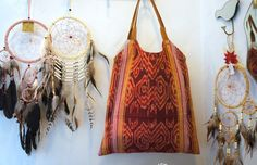 All we need on a Monday... Dreamcatchers & a beautiful handmade Ikat bag. Different colors & styles are available at Le Toko. With love #bali #conceptstore #accessoires #dreamcatcher #ikat #totebag #beachbag