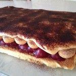 Meggyes mascarpone-s sütemény | mókuslekvár.hu Tiramisu, Pancakes, Cookies, Breakfast, Ethnic Recipes, Food, Mascarpone, Crack Crackers, Morning Coffee