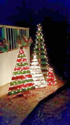 DIY outdoor wooden pallet Christmas trees with lights