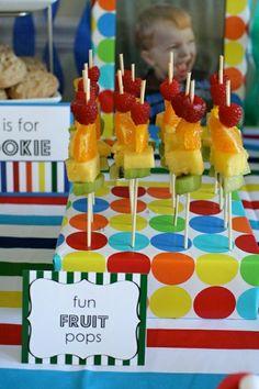 Kindergeburtstag Tisch Deko Essen Obst