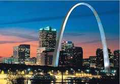 Louis, MO destination guide gives event planners all the necessary information to determine if St. Louis, MO is the right city for their event. Saint Louis Arch, St Louis Mo, Places Around The World, Travel Around The World, Around The Worlds, Top Destinations, Weekend Getaways, Best Hotels, Places Ive Been