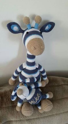 Gijs en Boris jr Giraffe Crochet, Crochet Teddy, Crochet Bear, Crochet Animals, Diy Crochet, Crochet Crafts, Crochet Dolls, Crochet Projects, Amigurumi Patterns