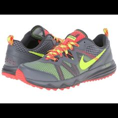 sale retailer e386f ea50c Like New Neon Nike Shoes