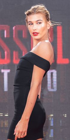 Seen at: The Mission: Impossible—Rogue Nation premiere in New York City on 7/27/15 What: An easy hair-up look can still be hot as hell—especially when it's hot as hell outside. Get the look: The trick to keeping the look sultry, not sloppy? Rake hair back with your fingers, not a brush, for sexy imperfection.   - ELLE.com