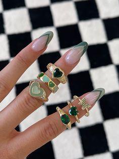Nail Jewelry, Cute Jewelry, Jewelery, Trendy Jewelry, Fashion Jewelry, Nail Ring, Accesorios Casual, Funky Nails, Minimalist Nails