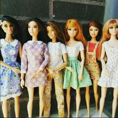 Barbie and Poppy Parker clothes.