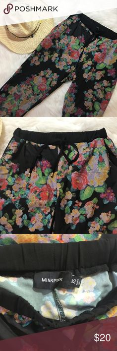 MINKPINK Floral Joggers Pants sz XS Floral design Joggers by MINKPINK. Side pockets, zippers on the bottoms. Very cute on!  Size XS MINKPINK Pants
