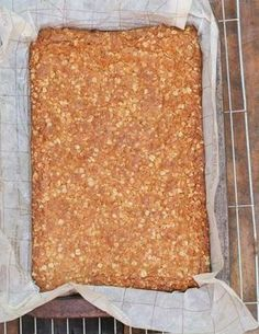 My grandmother betty's crunchie recipe: its a legend crunchie recipe Just made these and they were absolutely delicious and dead easy - added some nuts, cranberries and seed to one end of the tray and they were super yummy! Baking Recipes, Cake Recipes, Dessert Recipes, Bisquick Recipes, Oven Recipes, Eid Recipes, Biscuit Cookies, Biscuit Recipe, Crunchie Recipes