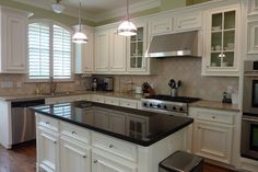 1 diff colors granite - back counters and island.  Yes.
