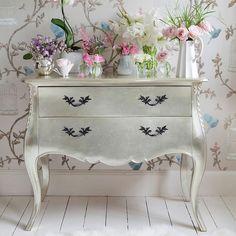 Romantic Shabby Chic Decorating Ideas | Visit frenchbedroomcompany.co.uk