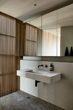 Bathroom decor for your bathroom remodel. Learn master bathroom organization, master bathroom decor some ideas, master bathroom tile some ideas, bathroom paint colors, and more. Australian Architecture, Interior Architecture, Interior Design, Interior Paint, Interior Colors, Ancient Architecture, Interior Modern, Sustainable Architecture, Interior Ideas