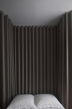 Berlin Mitte Apartment Refurbishment by Atheorem. Grey Curtains Bedroom, Bedding Master Bedroom, Curtains With Blinds, Diy Bedroom Decor, Home Decor, Upstairs Bedroom, Wall Decor, Berlin Apartments, Interior Architecture