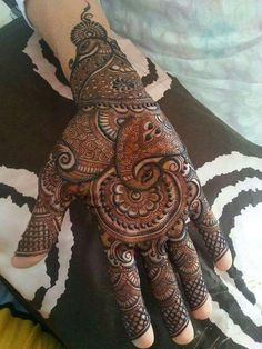 49 Beautiful Henna Tattoo Designs For Girls To Try At least Once - Torturein Egypt Peacock Mehndi Designs, Mehndi Designs Book, Simple Arabic Mehndi Designs, Mehndi Designs For Girls, Indian Mehndi Designs, Mehndi Designs 2018, Modern Mehndi Designs, Wedding Mehndi Designs, Mehndi Design Pictures