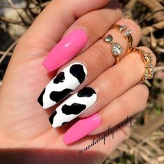What Christmas manicure to choose for a festive mood - My Nails Cow Nails, Aycrlic Nails, Summer Acrylic Nails, Best Acrylic Nails, Black Acrylic Nails, Black Nails, Nail Swag, Fire Nails, Coffin Nails Long