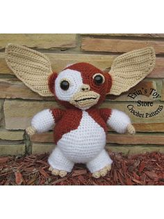 If you love the movie Gremlis you'll love this crochet Gizmo made with Lion Brand yarn.  Check out the pattern on Ravelry!