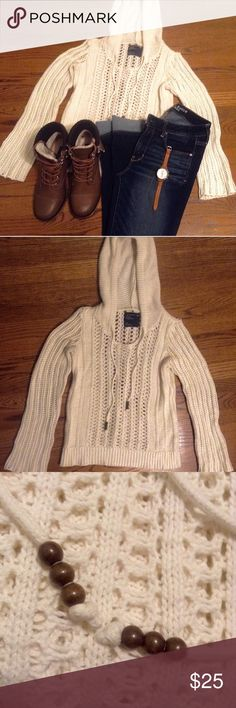 American Eagle Knit Sweater This super cute sweater is in excellent condition! Pair it with jeans and boots for a super adventurous look! (One of my favorites :) Make me an offer! American Eagle Outfitters Sweaters
